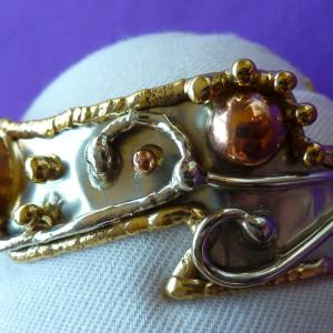 Mystic topaz bangle in tricolour metals